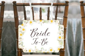 daisy bride to be chair sign